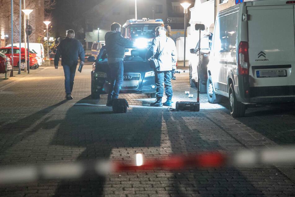 In Bergheim ist ein 33-jähriger Mann durch Schüsse tödlich verletzt worden. Eine Mordkommission wurde eingerichtet.