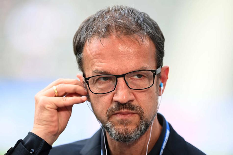 Fredi Bobic (49) hat am Donnerstag die Transferpolitik von Hertha BSC verteidigt.