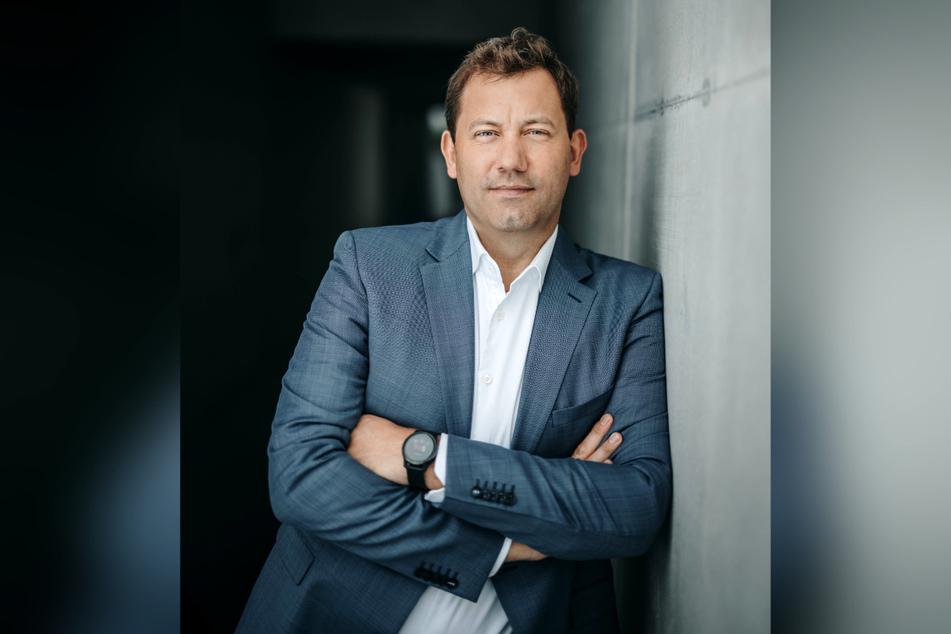 Der Generalsekretär der SPD, Lars Klingbeil (43), will die CDU aus der nächsten Regierung raushalten.