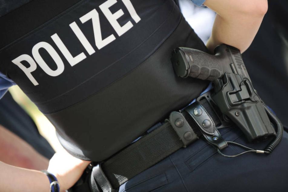 """Vorwürfe gegen Polizei bei Demo gegen """"Die Rechte""""-Kundgebung"""