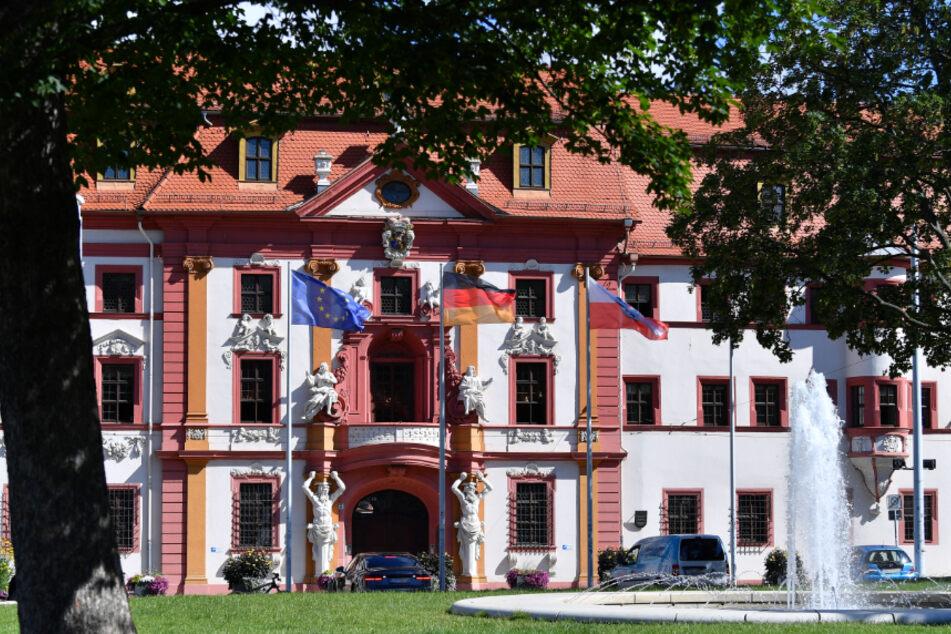 Blick aus dem Hirschgarten auf die Thüringer Staatskanzlei in Erfurt. Hier war im Juli eine Gruppe junger Menschen von einer anderen Gruppe angegriffen worden.