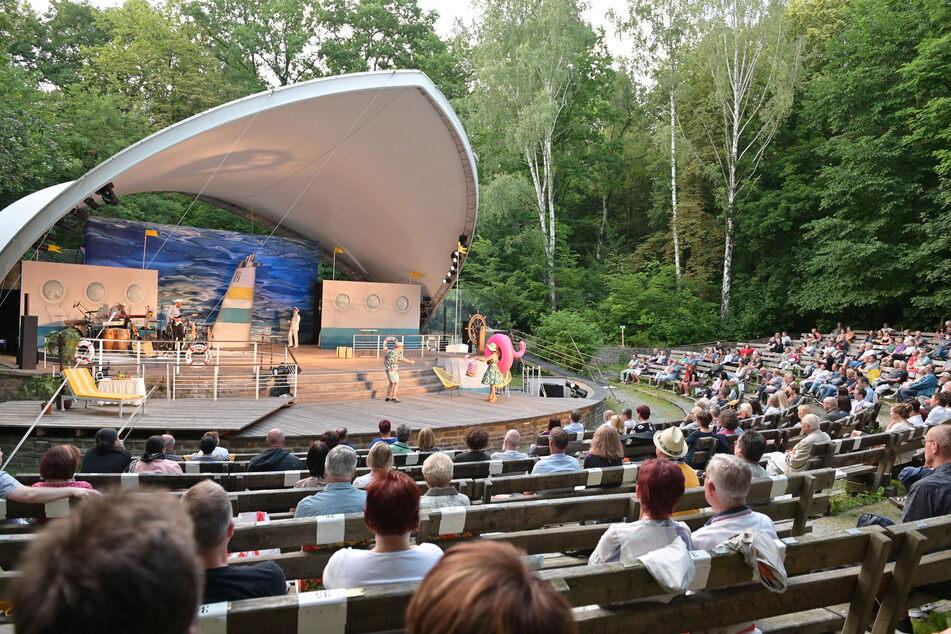 Die Theater Chemnitz wollen im Sommer wieder die Küchwaldbühne bespielen, wie hier im Jahr 2020.