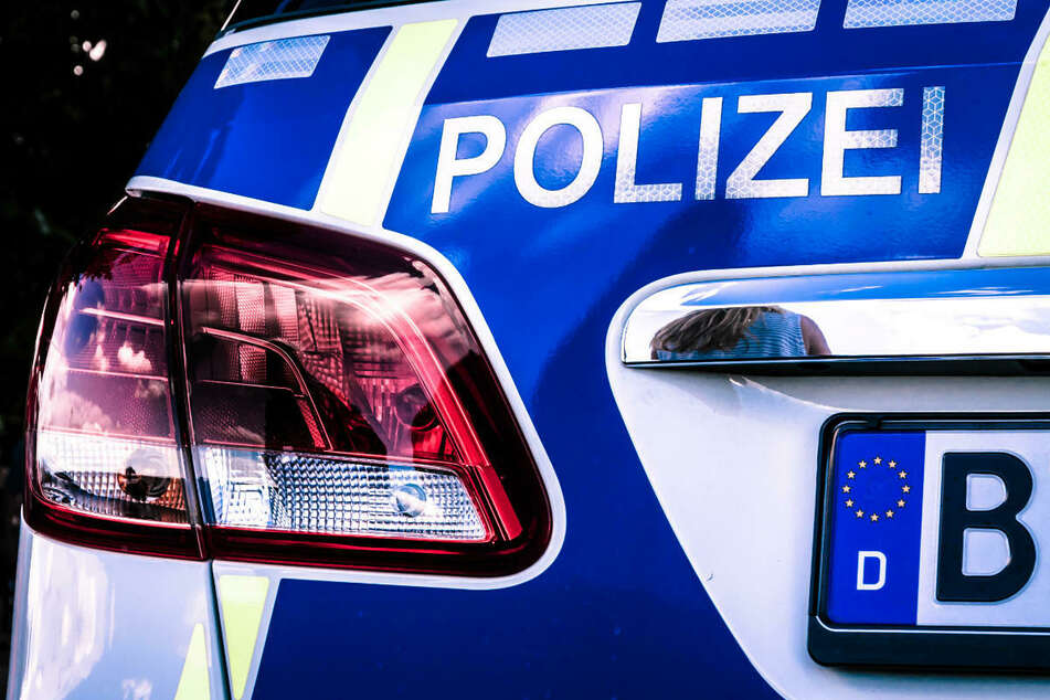 Am Freitagmittag ist ein Zehnjähriger in Berlin-Reinickendorf von einem Auto angefahren und schwer am Kopf verletzt worden. (Symbolfoto)