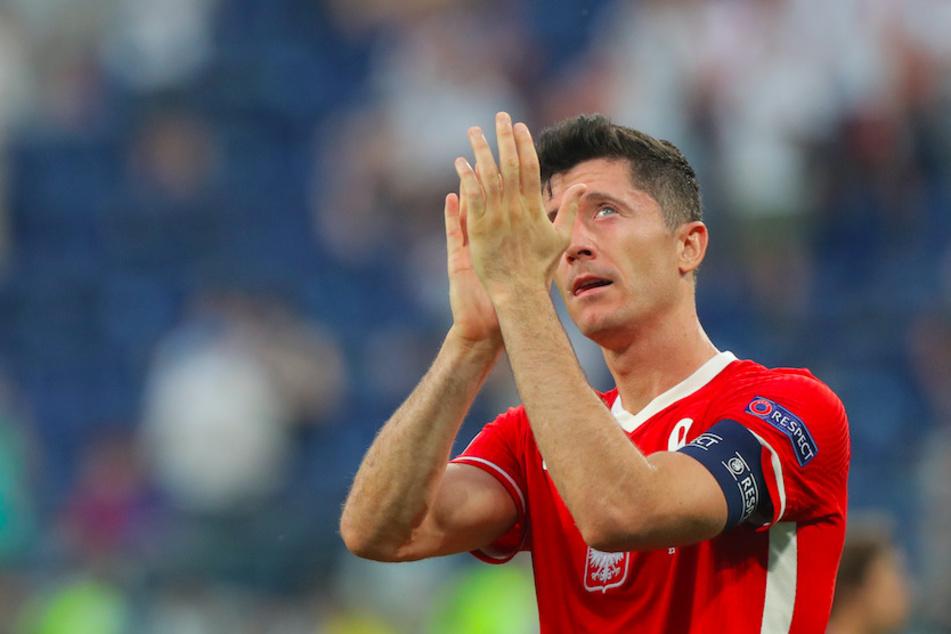 Wer so viele Tore schießt, wie Weltfußballer Robert Lewandowski (32), macht sich bei zahlreichen Fußballvereinen heiß begehrt.