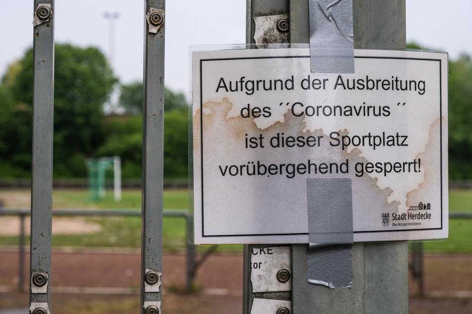 Das nordrhein-westfälische Landeskabinett berät über weitere mögliche Lockerungen der Corona-Beschränkungen (Archivbild).