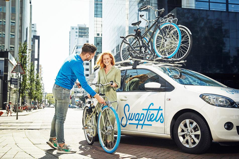 Swapfiets bietet die markanten Fahrräder mit blauem Vorderrad im Abo an.