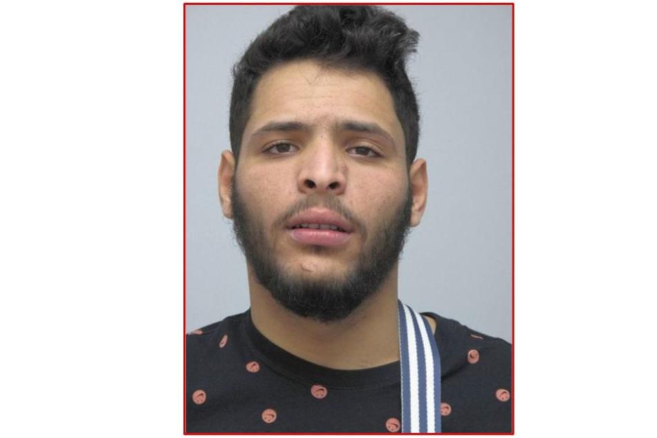 Mit diesem Fahndungsfoto sucht die Polizei derzeit nach Aymen Abidi.