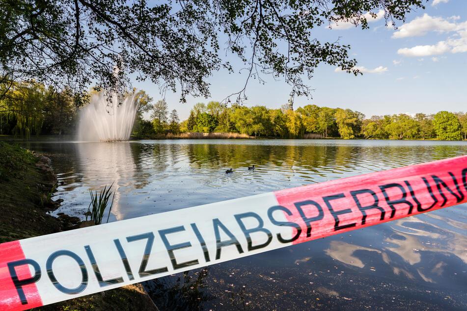 Spaziergänger macht erschreckenden Fund: Leiche treibt in See