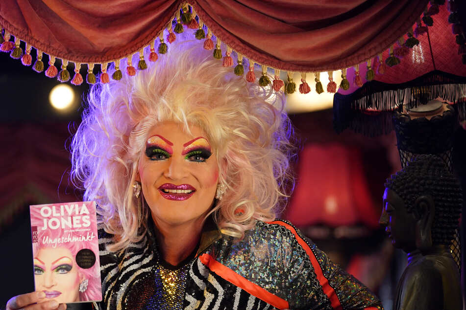 "Dragqueen Olivia Jones (51) in ihrem Club ""The Bunny Burlesque St. Pauli"" in Hamburg."