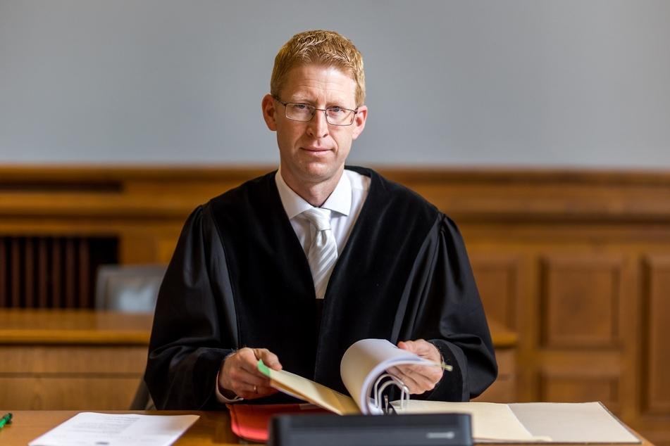 """Staatsanwalt Torsten Naumann bezeichnete die Tat zum Prozessauftakt als """"heimtückischen Mord aus niedrigen Beweggründen"""""""