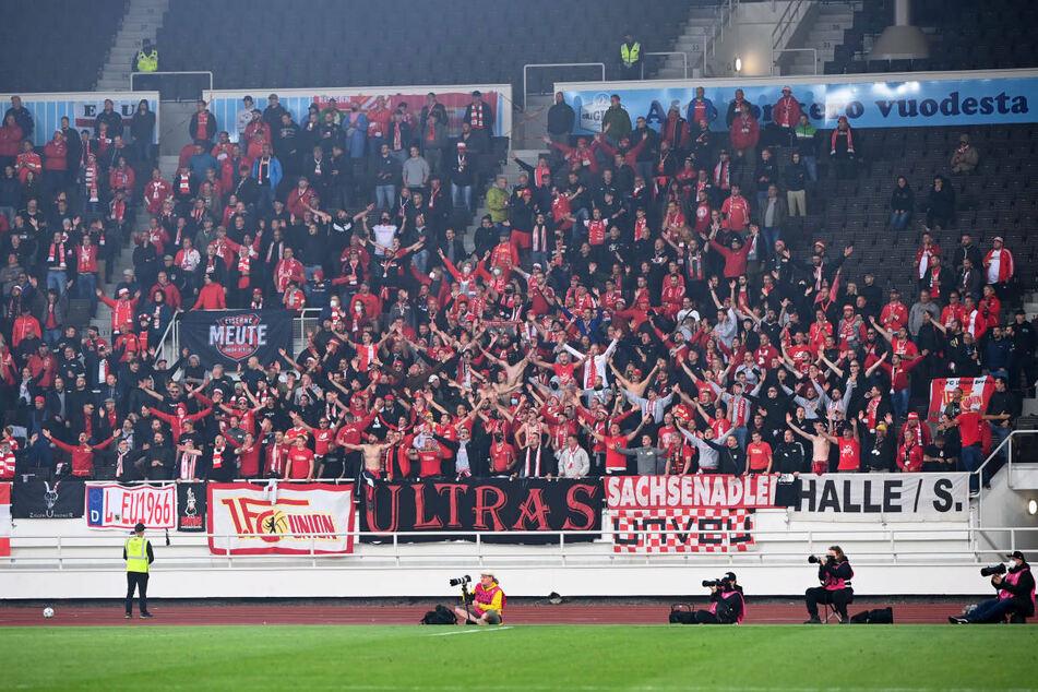 Die Union-Schlachtenbummler feuern ihre Mannschaft in Helsinki an. Auf die Fans warten in der Gruppenphase drei weitere Auswärtsspiele auf europäischer Bühne unter anderem im legendären De Kuip von Rotterdam.