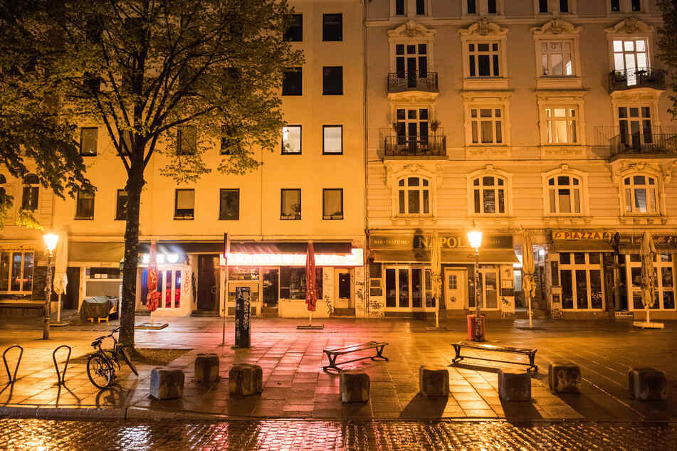 Auch im Schanzenviertel sind kurz nach Mitternacht keine Menschen zu sehen.