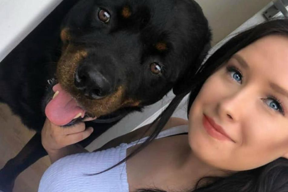 Ria mit ihrem Hund Razor. Die 24-Jährige liebt Shopping über alles.