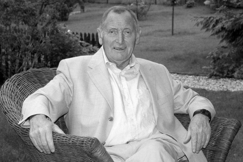 Herbert Schnoor (SPD) ist im Alter von 94 Jahren verstorben. Das Bild zeigt ihn im Jahr 2002. (Archivbild)