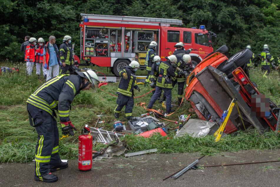 19-Jähriger nach schwerem Unfall mit Rettungs-Hubschrauber in Klinik gebracht