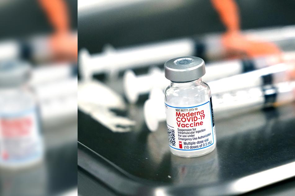 Apotheker zerstört absichtlich über 500 Corona-Impfdosen