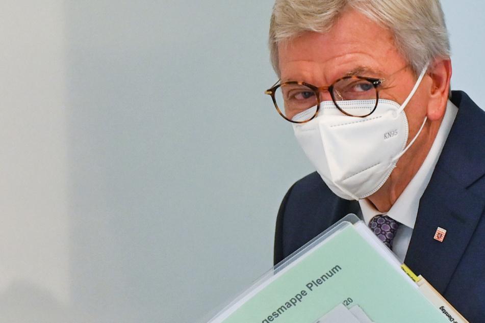 """Volker Bouffier nennt 2020 """"Seuchenjahr"""" und mahnt: Im Januar ist es nicht vorbei"""