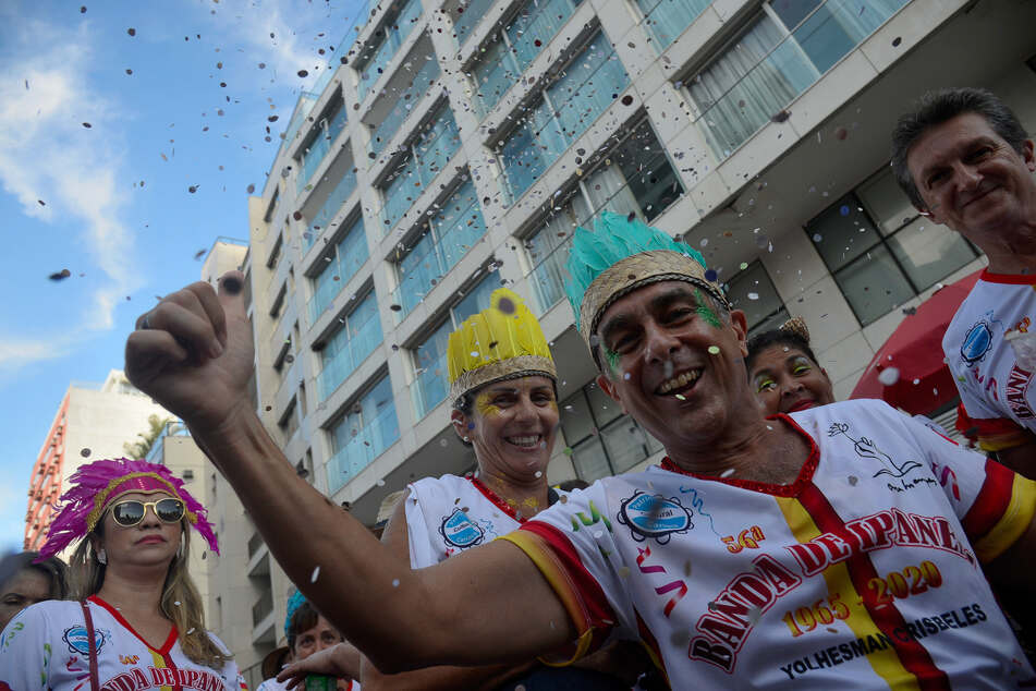 Nach dem coronabedingten Komplettausfall 2021 soll der weltberühmte Karneval in Rio de Janeiro 2022 stattfinden.