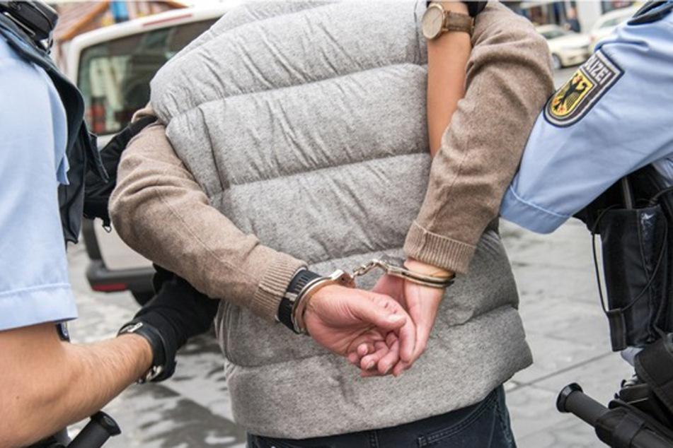 Sex-Attacke in Kirche: 15-Jährigen gelingt Flucht, Polizei schnappt mutmaßlichen Täter