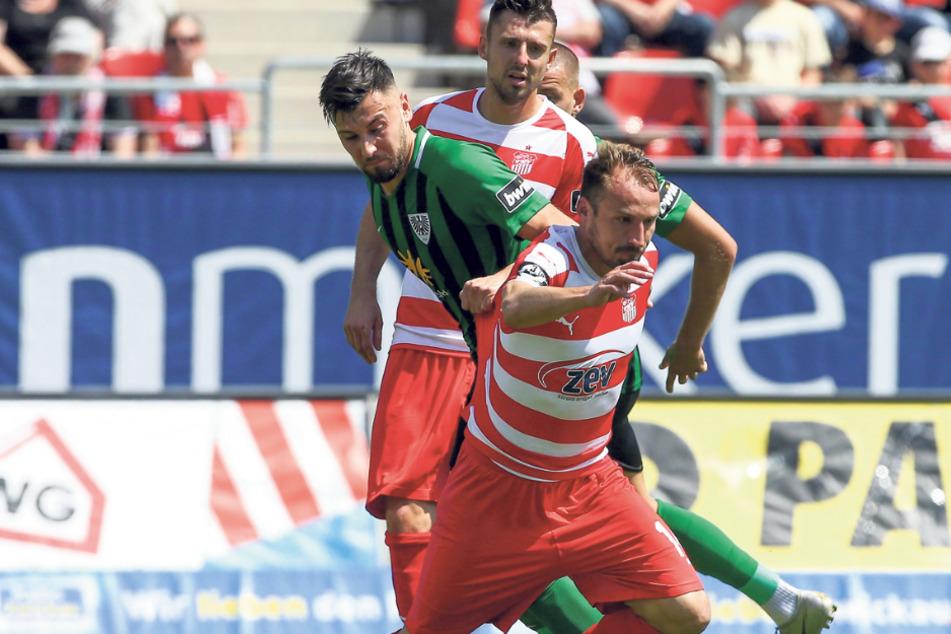 Am 18. Mai 2019 bestritt Toni Wachsmuth (vorn) sein letztes Spiel für den FSV. Zwickau gewann gegen den SC Preußen Münster mit 2:0.