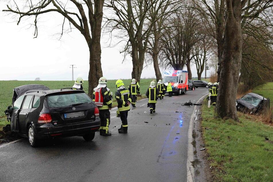 Der Unfallort. Zwischen Tessin und Zarnewanz krachten auf der L18 zwei Fahrzeuge frontal ineinander.