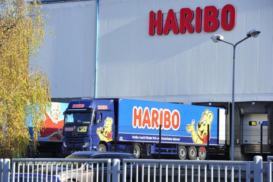 Ein Anblick, den es in Wilkau-Haßlau aufgrund der Werksschließung im Dezember nicht mehr gibt - ein Harbio-Lkw holt frische Ware ab.