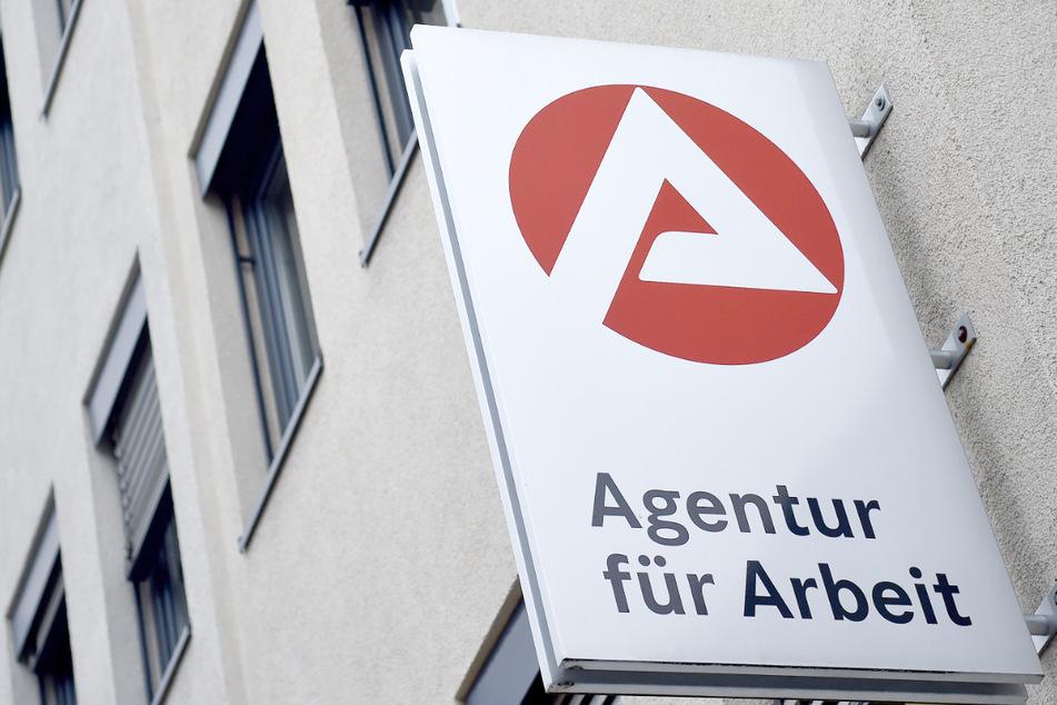 Die Arbeitslosigkeit ist in Bayern im Juli weiter zurückgegangen, obwohl das in diesem Monat eigentlich unüblich ist. (Symbolbild)