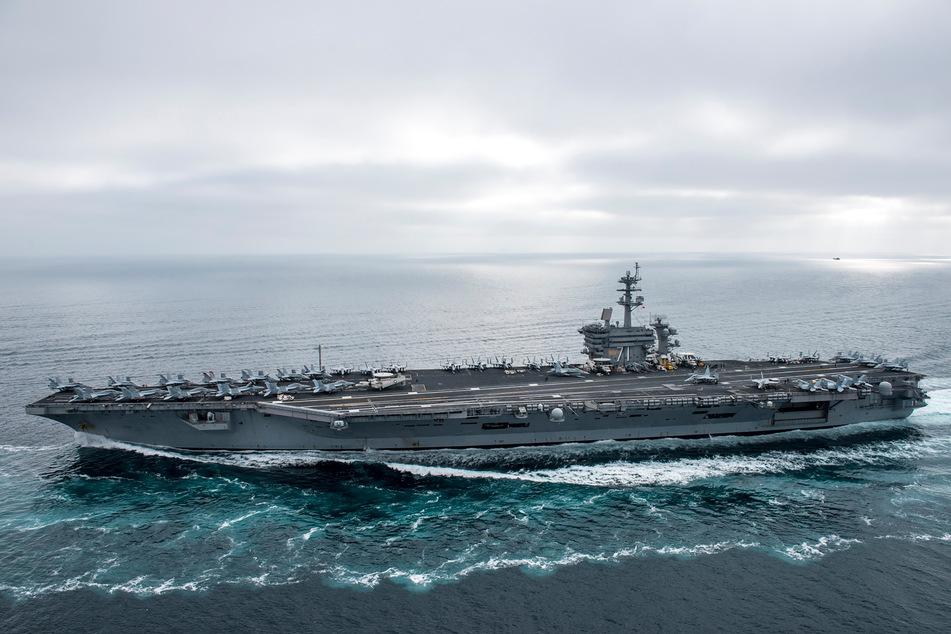 """Unter den Besatzungsmitgliedern des US-Flugzeugträgers """"USS Theodore Roosevelt"""" hat die Zahl der bestätigten Infektionen mit dem neuartigen Coronavirus weiter zugenommen."""