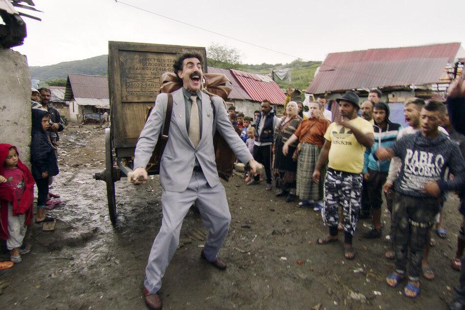"""Sacha Baron Cohen (49) als Borat in einer Szene von """"Borat 2"""". Die Komödie hat bei den Golden Globe Awards 2021 den Golden Globe als beste Filmkomödie gewonnen."""