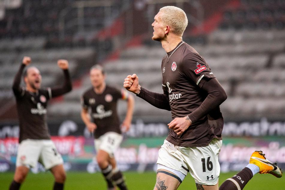 St.-Pauli-Sturmtank Simon Makienok erzielte das 1:0 für die Kiezkicker und empfahl sich für einen Platz in der Startelf beim Saisonbeginn. (Archivfoto)