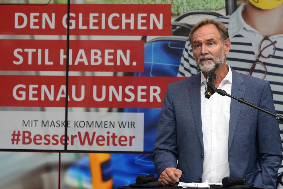 Leipziger Überbürgermeister Burkhard Jung bei einer Pressekonferenz im August. (Archivbild)