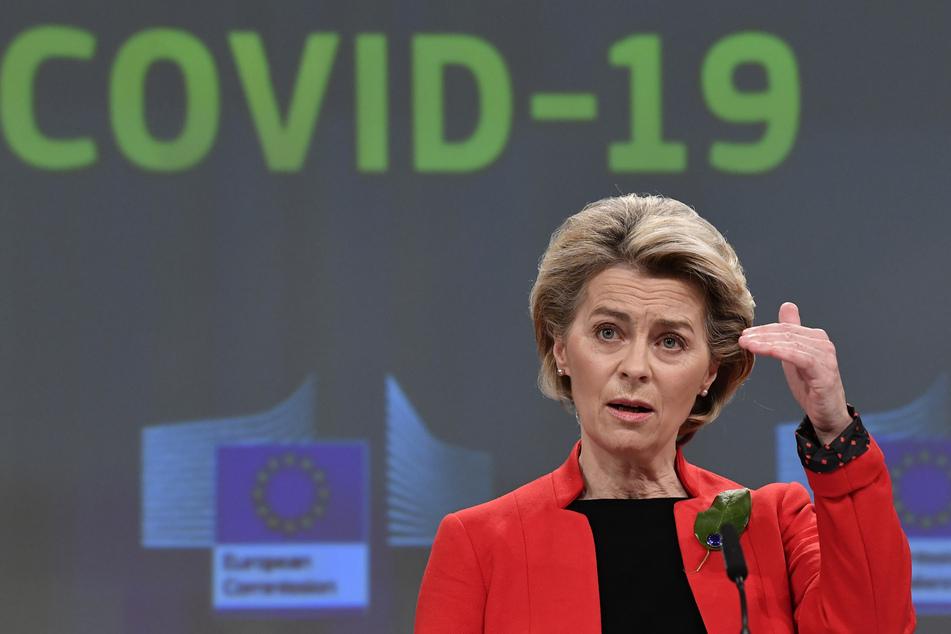Ursula von der Leyen (62). Die EU-Kommission hat ein förmliches Schreiben an den Pharmakonzern Astrazeneca wegen Lieferschwierigkeiten beim Corona-Impfstoff geschickt.