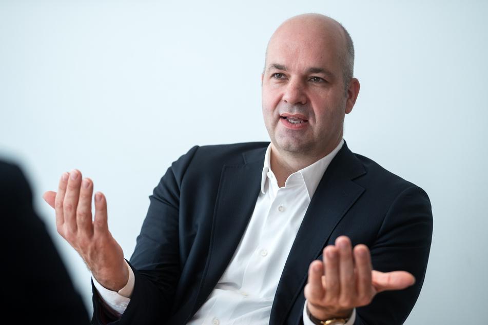 Marcel Fratzscher (50), Präsident des Deutschen Instituts für Wirtschaftsforschung (DIW), hält angesichts der andauernden Corona-Pandemie wirtschaftliche Risiken für unterschätzt.