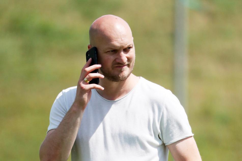 Oft am Telefon zu sehen: CFC-Sportdirektor Causevic möchte noch in dieser Woche weitere Zugänge verkünden.