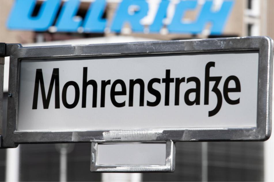 Der Stein des Anstoßes, ein Straßenschild der Berliner Mohrenstraße. Nicht erst seit der Black-Lives-Matter-Bewegung wurden Versuche für eine Umbenennung unternommen.