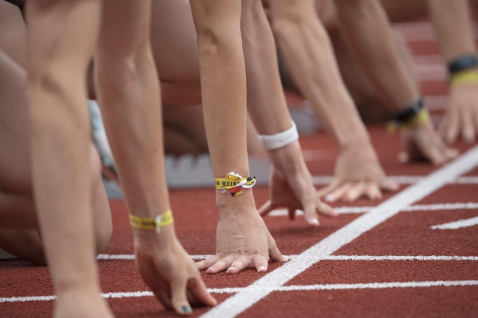 Bei einem Leichtathletik-Meeting in Karlsruhe werden mehr als 100 Spitzen-Athleten von allen Kontinenten starten. (Symbolbild)
