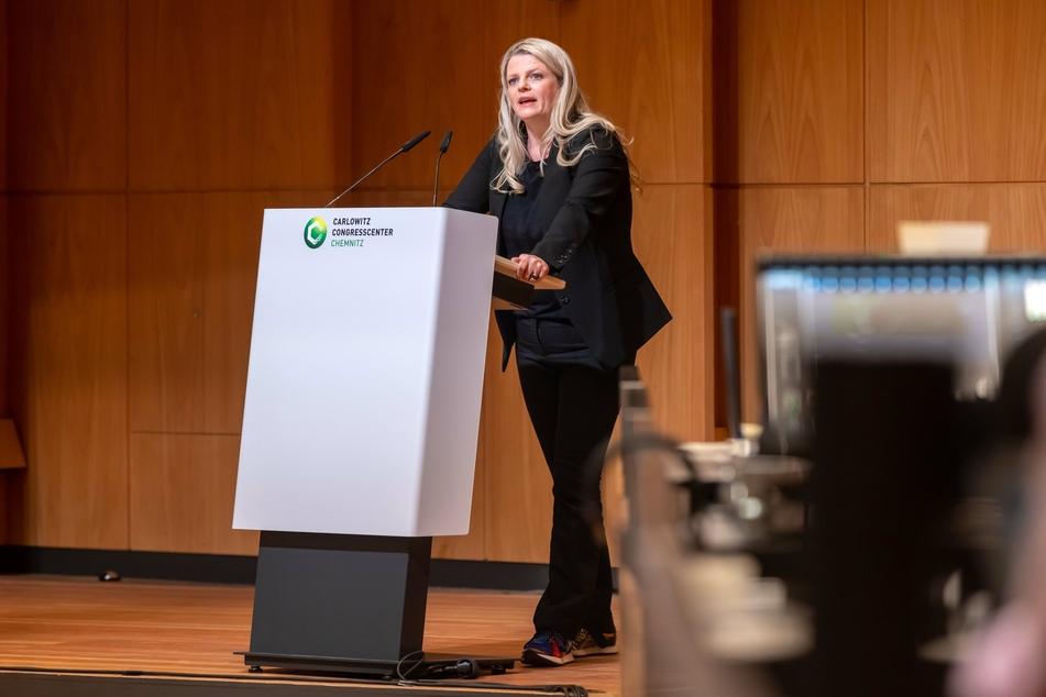 Susanne Schaper (43, Linke) stellte sich am Mittwoch als einzige unter den Bewerbern für den Sozialbürgermeister-Posten im Stadtrat vor.