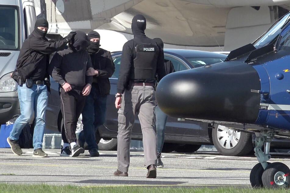 Der Tatverdächtige wurde nach seiner Festnahme nach Karlsruhe zum Bundesgerichtshof geflogen. (Archivbild)