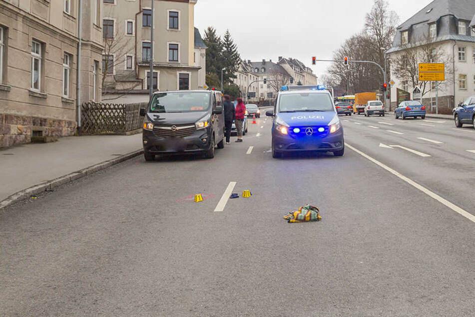 Im März 2018 hatte der Angeklagte an der B95 in Annaberg-Buchholz eine Passantin übersehen.