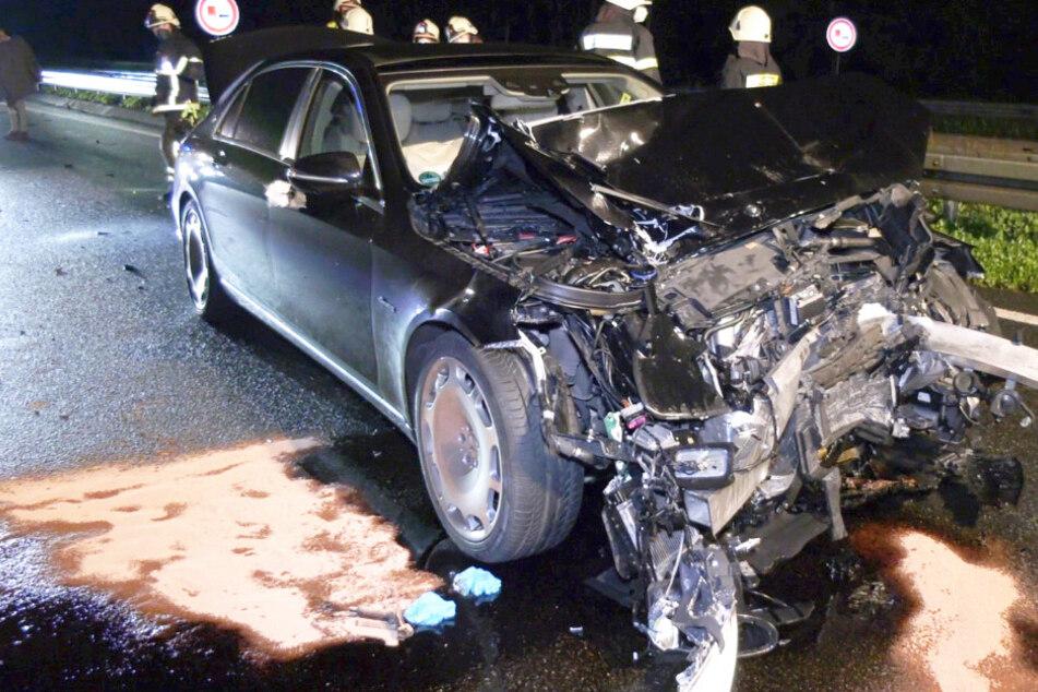 Der Unfall ereignete sich in der Nacht auf Donnerstag auf der A67, nahe des südhessischen Gernsheims.