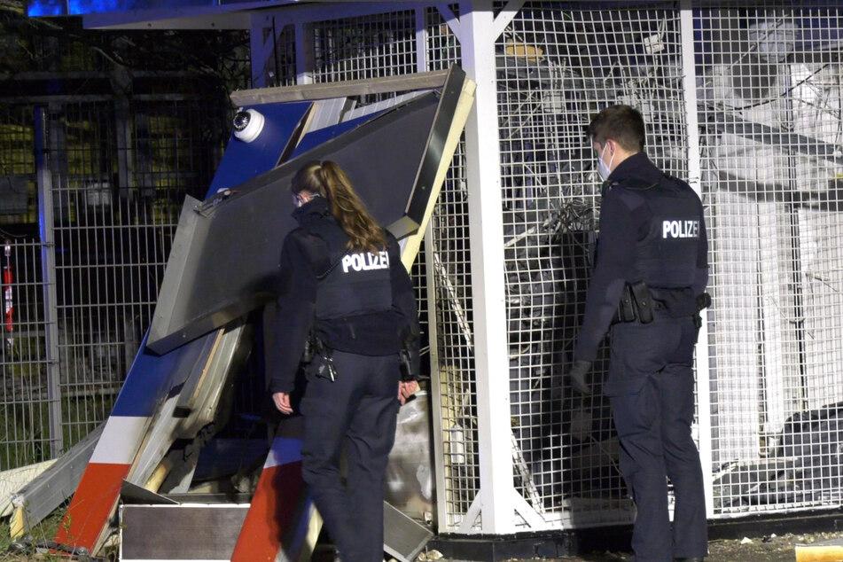 Frankfurt: Täter machen Beute: Geldautomat in Mörfelden-Walldorf gesprengt
