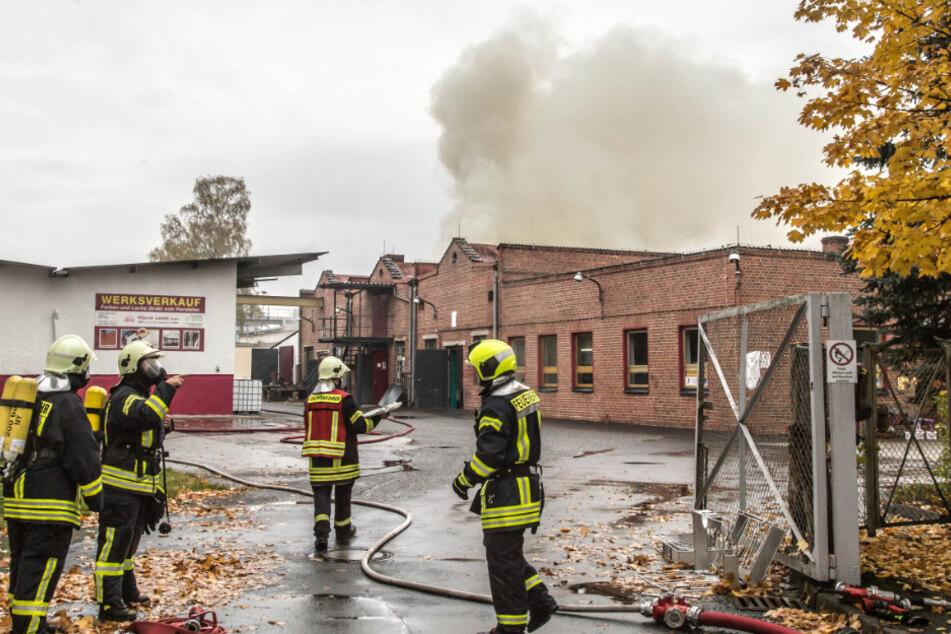 Großbrand und Explosionen in Niesky: Rauch-Entwicklung könnte Bevölkerung gefährden!