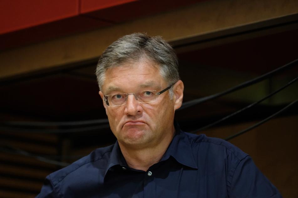 FDP-Chef Holger Zastrow (52) fordert im Rat Aufklärung über die Petz-Kampagne.