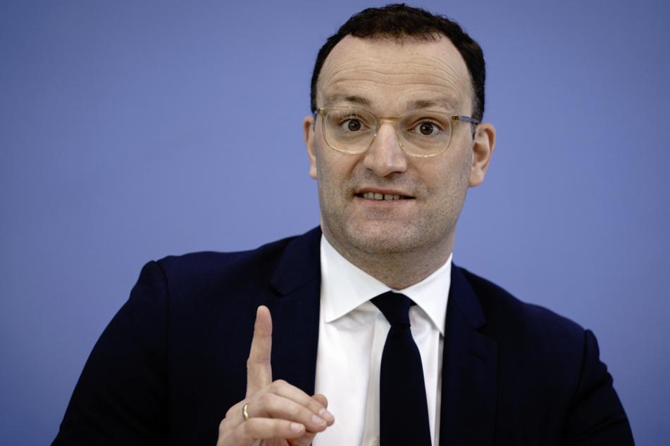 Bundesgesundheitsminister Jens Spahn (41, CDU) hatte gesagt, ihm lägen Meldungen vor, wonach in Baden-Württemberg Impfstoff seinen Weg nicht zu Patienten finden würde.