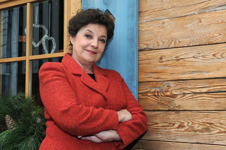 """Der """"Bergdoktor""""-Star Monika Baumgartner (69) spielt seit 15 Jahren die Rolle der """"Lisbeth Gruber""""."""