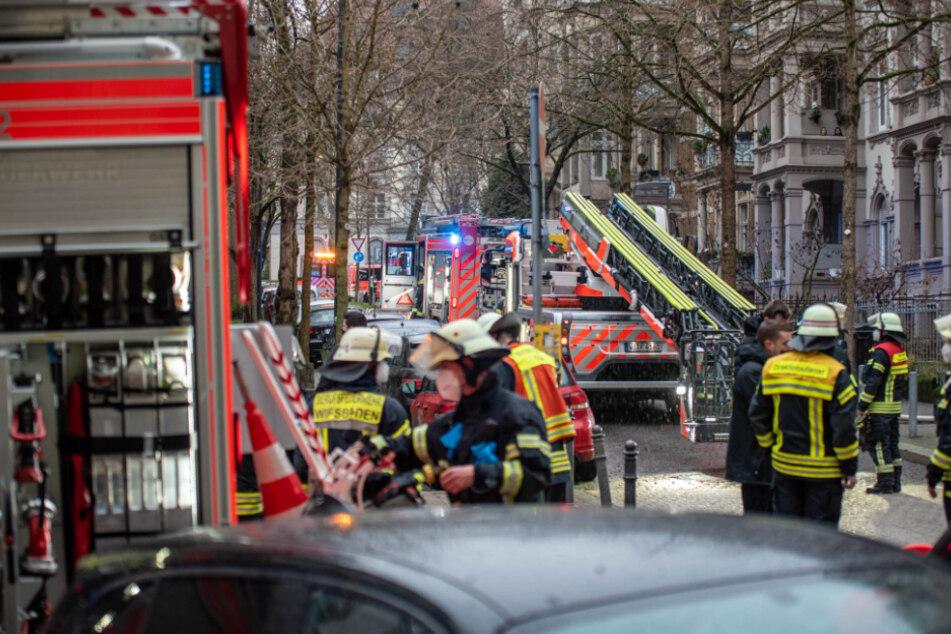 Ein Toter und Verletzte bei Wohnungsbrand in Wiesbadener Innenstadt