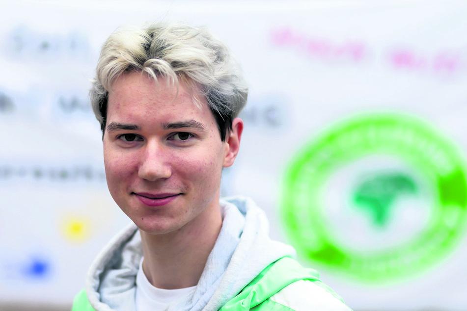 """Martin Graf (22, FFF Chemnitz): """"wichtiger Hinweis für Touristen""""."""
