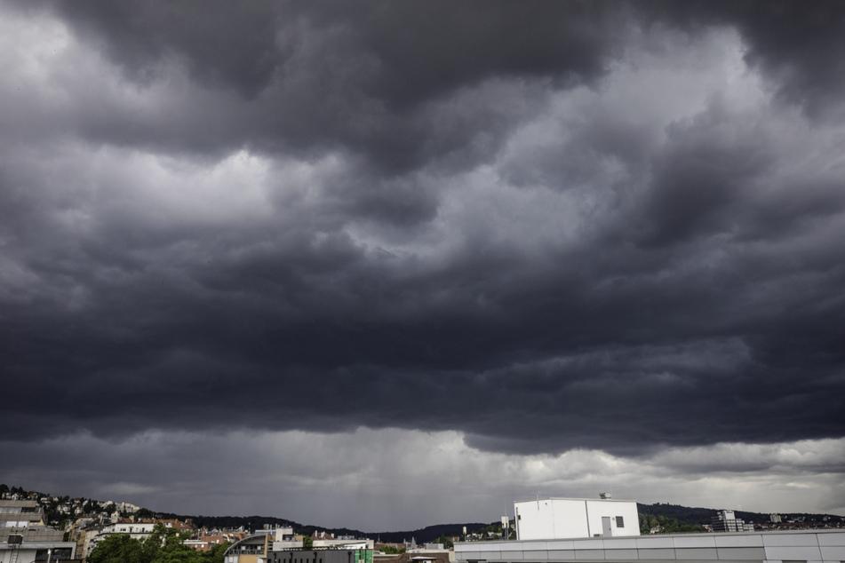 Erneut zieht ein Unwetter über Stuttgart.