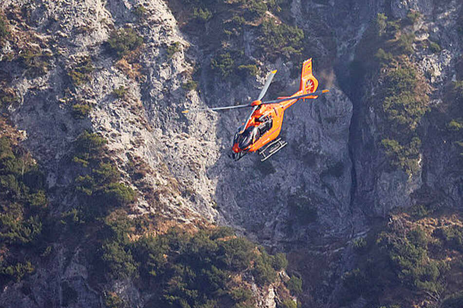 """Mit dem Hubschrauber """"Christoph 14"""" wurde der Junge aus dem reißenden Gebirgsfluss gerettet."""