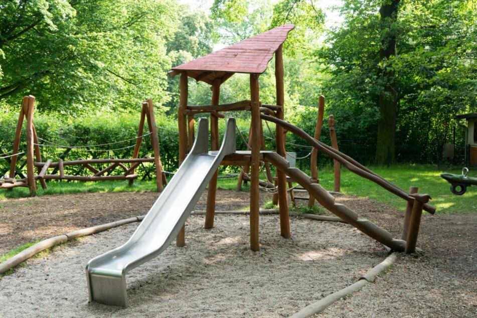 Chemnitz: Chemnitz: Jugendliche auf Spielplatz sexuell belästigt